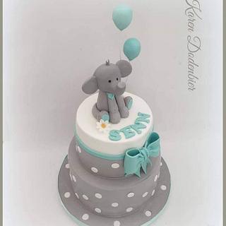 Mint elephant cake