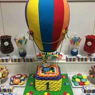 3d Hot air balloon  - Cake by Fiona's  cakes melbourne