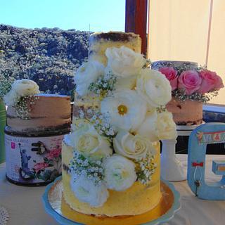 Wedding cake by dulce arte cakes