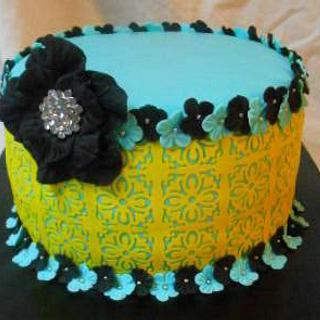 blue yellow yellow cake - Cake by heather369