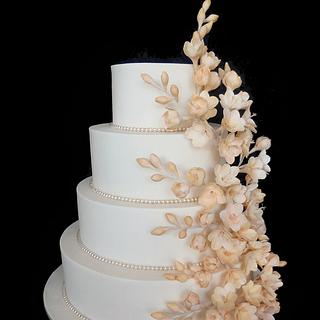 Ivory wedding  with Freesias