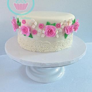 Elegant Pink and white flower cake