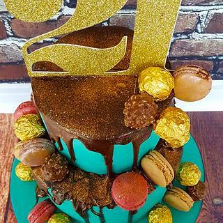 Laura - Chocolate and gold drip cake