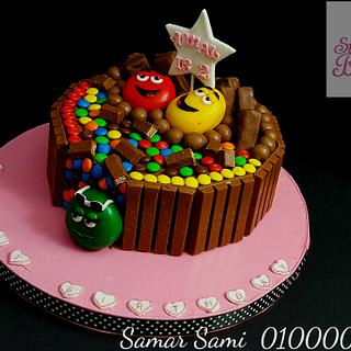 M&m's, Snickers ,Maltesers and KitKat chocolate cake  - Cake by Simo Bakery