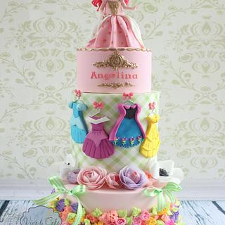 Princess cake and her dresses  - Cake by Joly Diaz