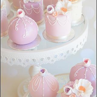 Mini Cakes & Spheres