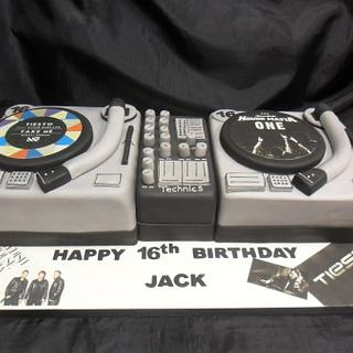 double deck record player birthday cake