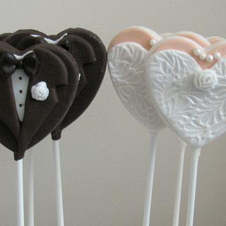 Bride & Groom Chocolate Pops