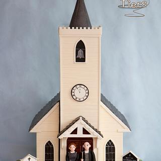 "Rocky Horror Sugar Show collaboration (CI 2015) - Chapel with ""American Gothic"" figures"