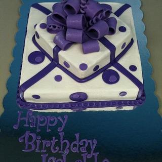 Pretty Purple Present - Cake by Dawn Henderson