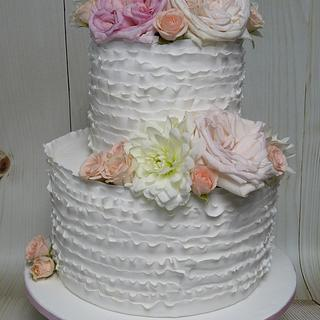 Fondant flower frill wedding cake