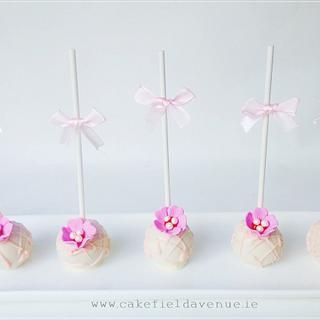 Pretty in Pink Cake Pops - Cake by Agatha Rogowska ( Cakefield Avenue)