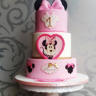 Minnie Mouse cake🎀