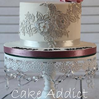 Cake with edible lace