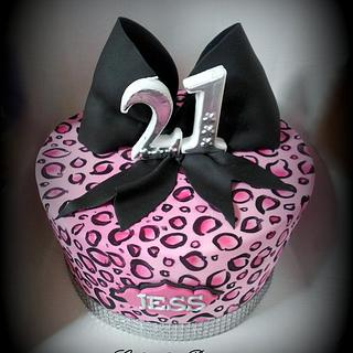 Hand Painted Pink Leopard Madhatter - Cake by Raewyn Read Cake Design