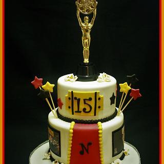 Hollywood Cake - Cake by CakeCreationsCecilia