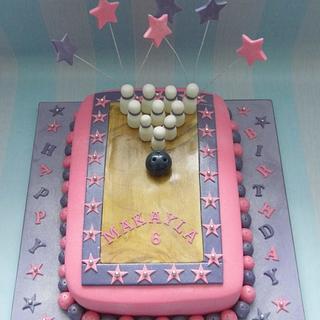 Bowling cake.