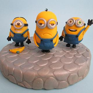 Minions cake topper out of fondant!