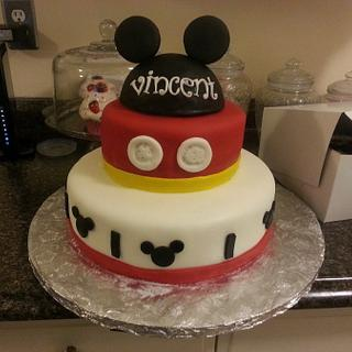 Mickey Mouse - Cake by Priscilla