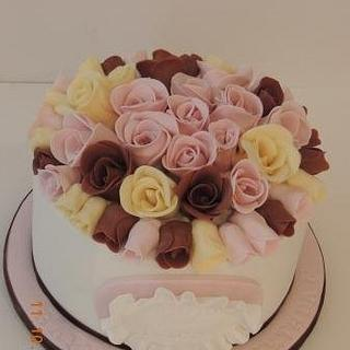 guess how many roses on the top!!