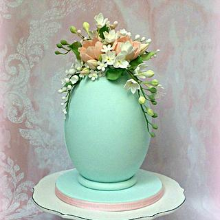 Easter Egg with sugar flowers