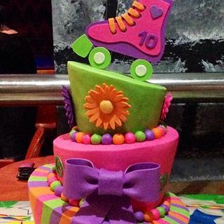 Topsy turvey - Cake by Kwirkie