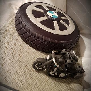 Bmw motorcycle cake
