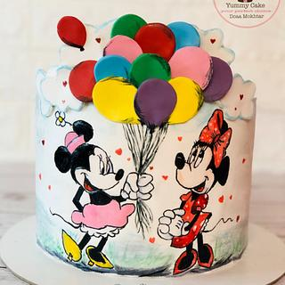Hand painting mimie mouse cake