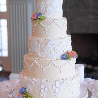 Elegant Fondant Lace and Buttercream Wedding Cake