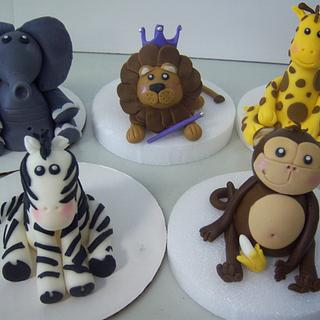 The Fab Five - Cake by Nizelle Olivo