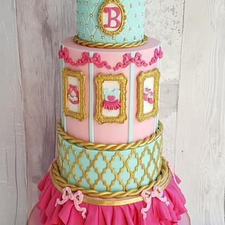 Baby shower royal cake
