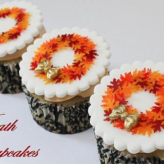 Fall Wreath Fondant Cupcake Toppers