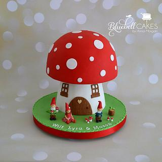 Giant Mushroom Cake - Cake by bluebellcakes