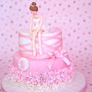 Elegant Ballerina - Cake by Hayley