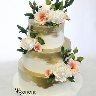 gold and blush wedding cake