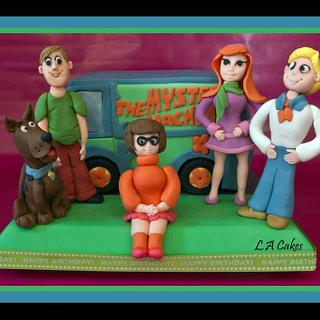 Scooby Doo and the Gang - Cake by Laura Young