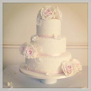 Cotswold Romance Wedding Cake  - Cake by Samantha Tempest