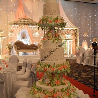 Wedding cake structure - Cake by Inoka (Sugar Rose Cakes)