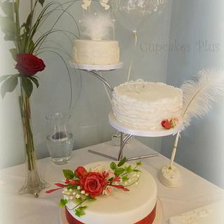 Separated tiers wedding cake
