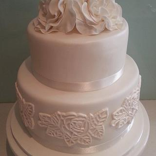 White Roses & Lace - Cake by BlissfulCakeCreations