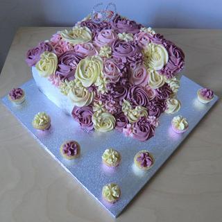 My mums birthday cake - Cake by Andrea