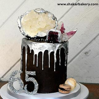 Sugar Geode and Agate Drip Cake