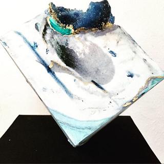 Geode standing cake - Cake by SU.! CUPCAKE