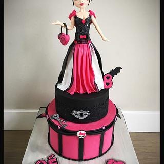 Birthday cake Monster High with Draculaura
