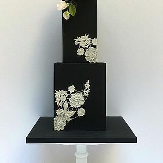 Black Elegance Cake