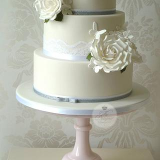 White roses & butterflies wedding cake