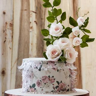 Vintage rose cake by Mito Sweets