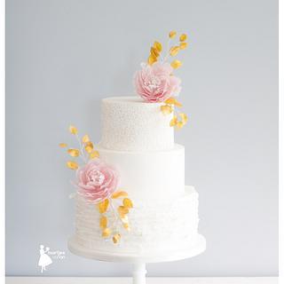 Pink peonies and golden leaves  - Cake by Taartjes van An (Anneke)