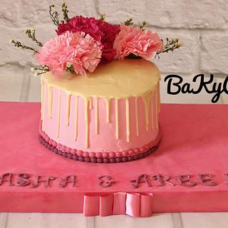 drip cake . flower cake