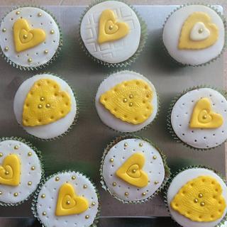 Lemon cup cakes.